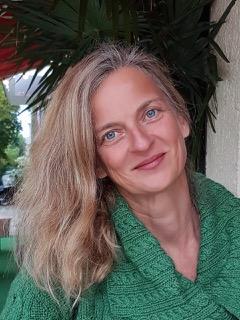 VFLL-Lektorin Susanne Zeyse auf der Leipziger Buchmesse Tipps Klappentext
