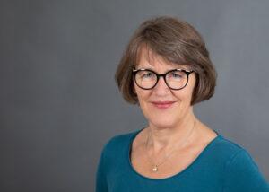 Gisela Hack-Molitor ist Mitglied im Beirat der Künstlersozialkasse